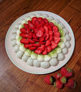 Pavlova thé matcha et fraise